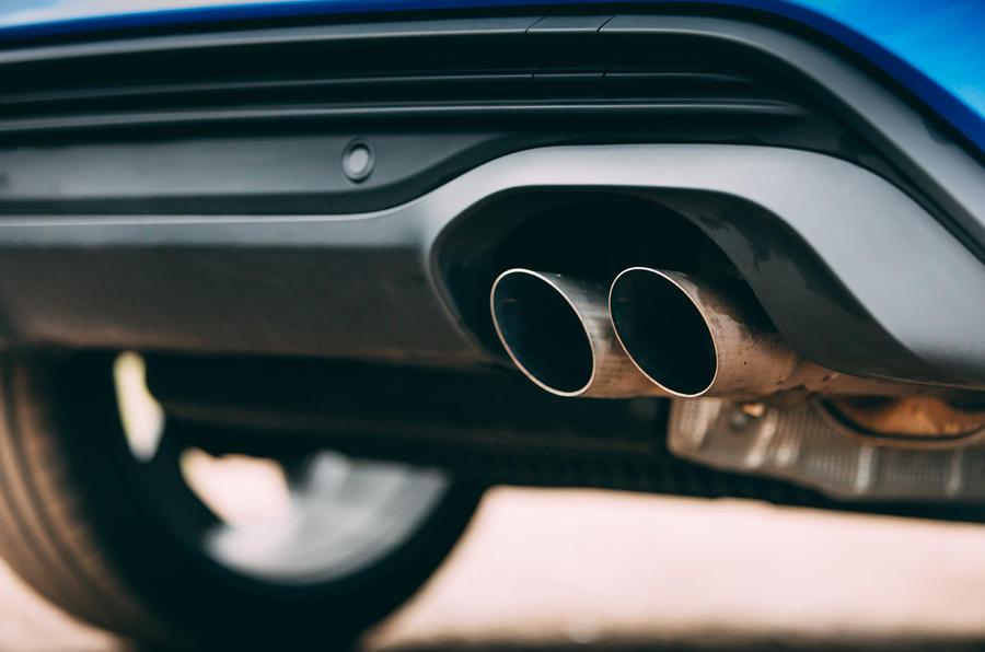 11 Ford Puma ST 2021 : essai routier - échappement