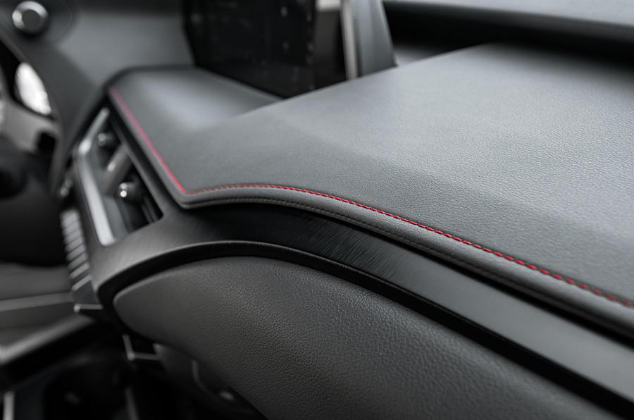 Lexus UX 2019 road test review - interior trim