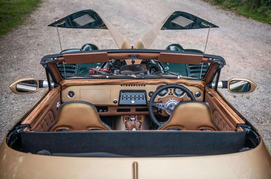 Morgan Aero GT 2018 review - cabin