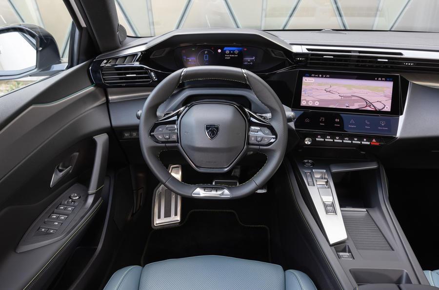 11 Peugeot 308 2021 : essai en conditions réelles - habitacle