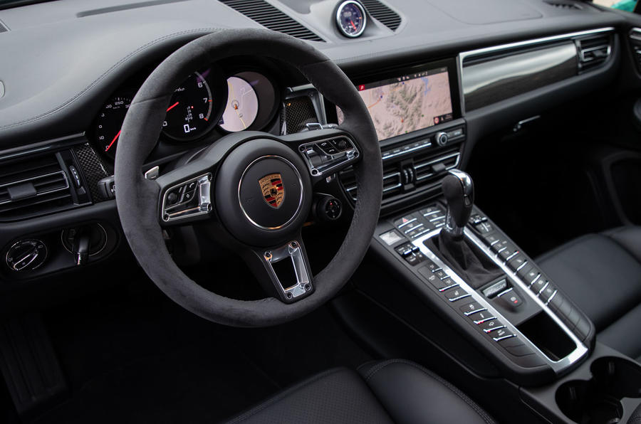 Porsche Macan Turbo 2019 road test review - dashboard