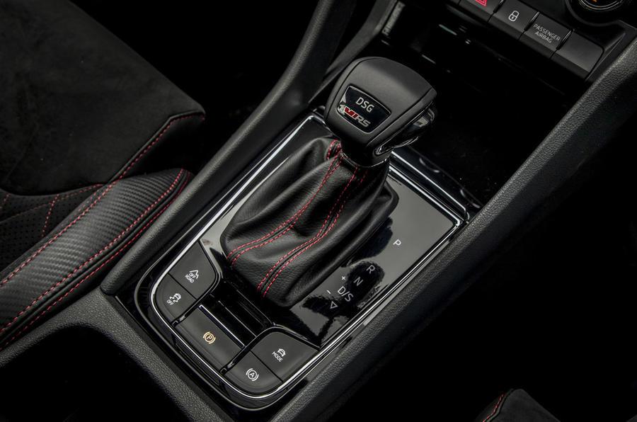 Skoda Kodiaq vRS 2019 road test review - gearstick