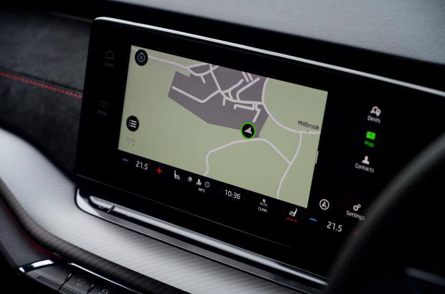 11 Skoda Octavia vRS TDI 2021 examen de l'essai routier infotainment