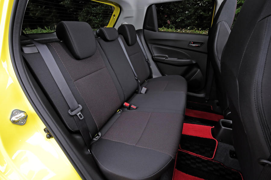 Suzuji Swift Sport Japan-spec review rear seats