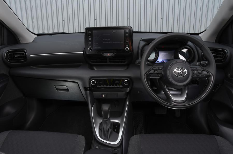 Examen de l'essai routier de la Toyota Yaris 2020 - tableau de bord