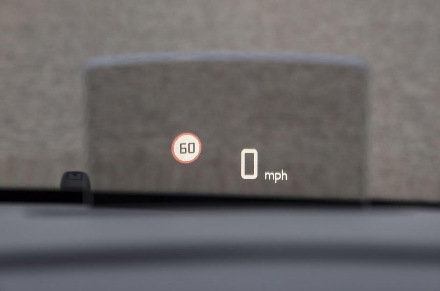 Vauxhall Vivaro Life 2019 road test review - HUD