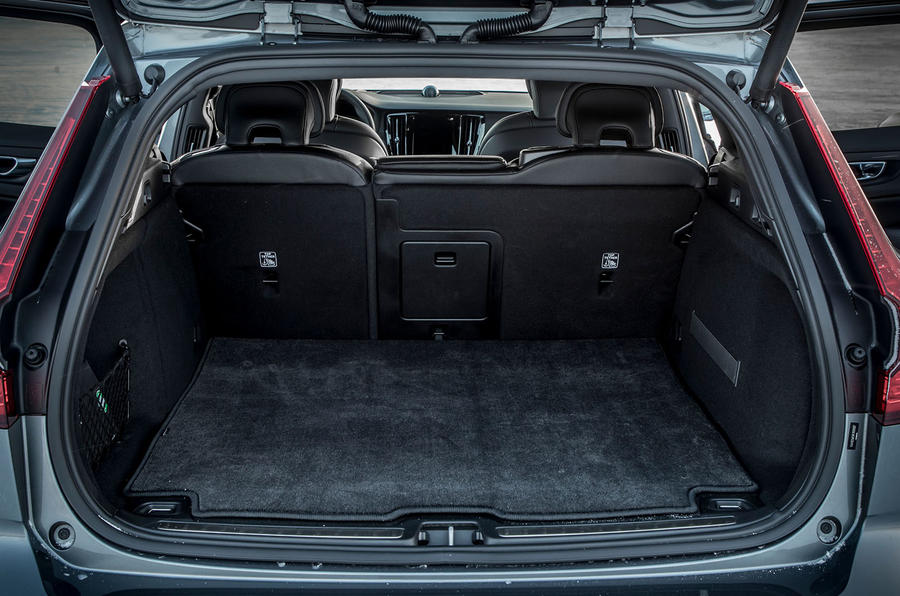 Volvo V60 Cross Country 2019 road test review - boot