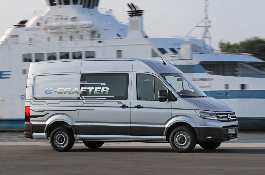 Volkswagen e-Crafter 2018 review - on the road right