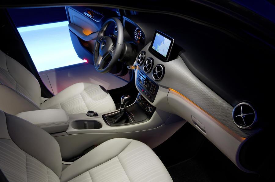 Mercedes-Benz B 180 interior
