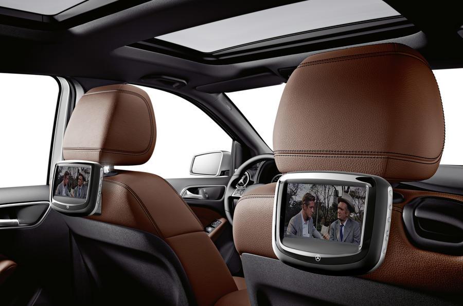 Mercedes-Benz B 180 rear screens