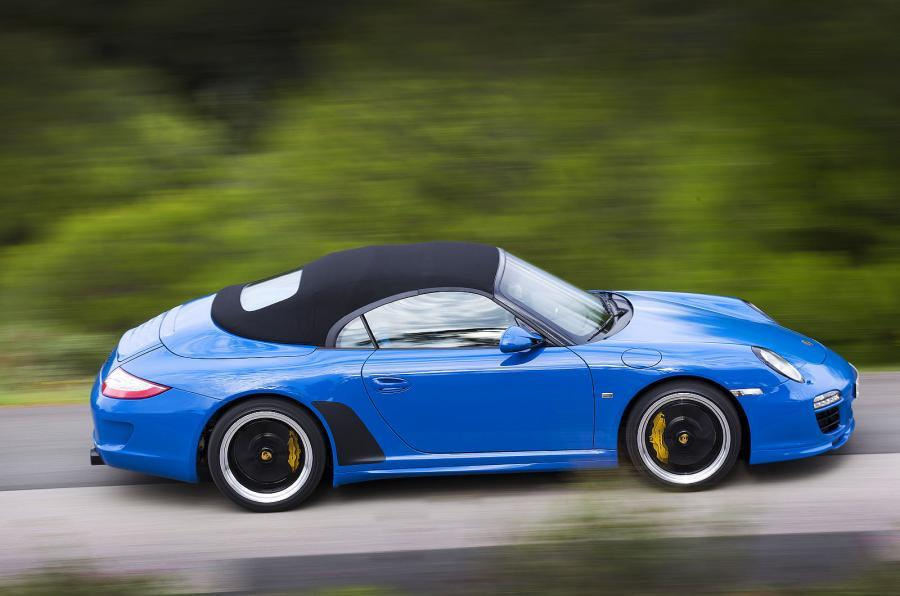 Porsche 911 Speedster roof up