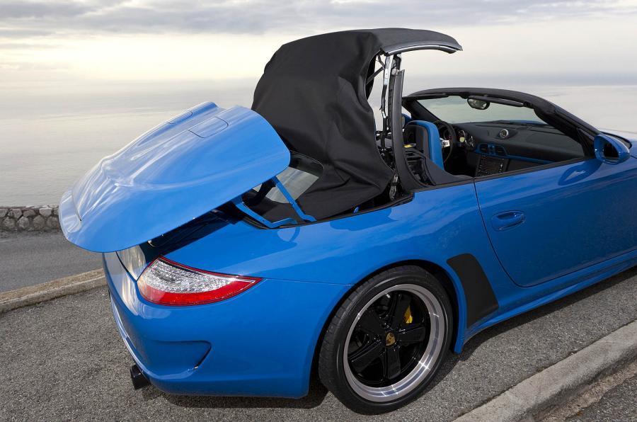 Porsche 911 Speedster electric folding roof