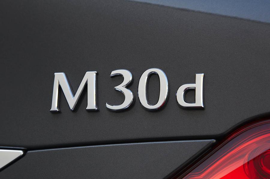 Infiniti M30d badging