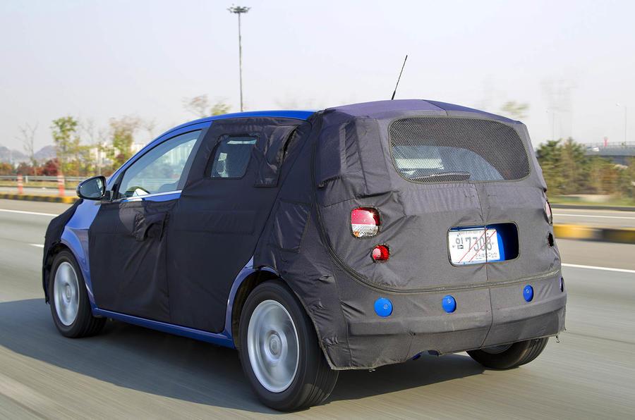 Chevrolet Aveo rear quarter