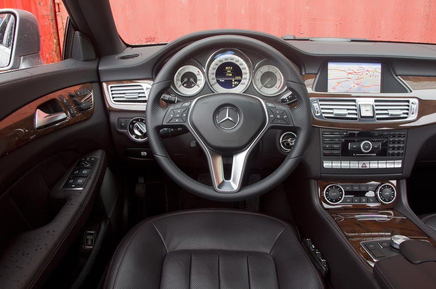 Mercedes-Benz CLS 350 CDI dashboard