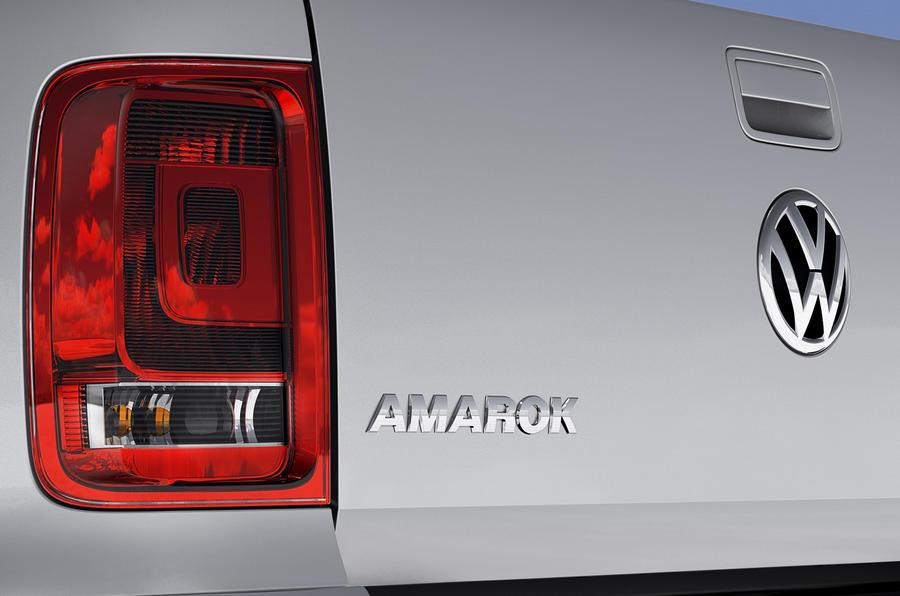 Volkswagen Amarok rear light