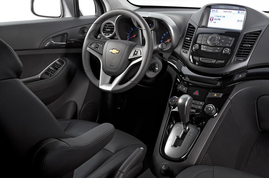 Chevrolet orlando 2 0 vcdi first drive for Chevrolet interieur