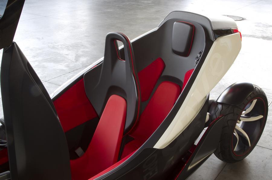 Opel Rak-e front and rear seats
