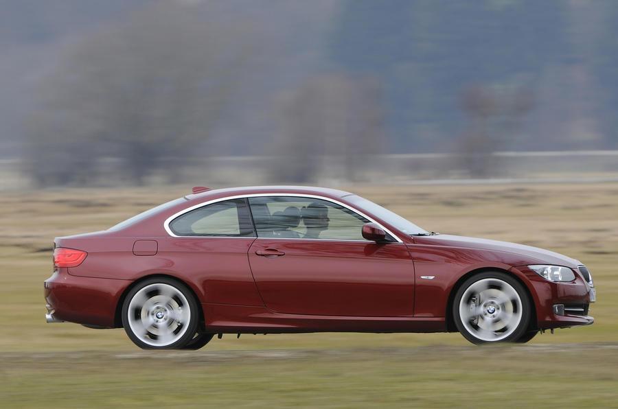 BMW 335i SE Coupe side profile