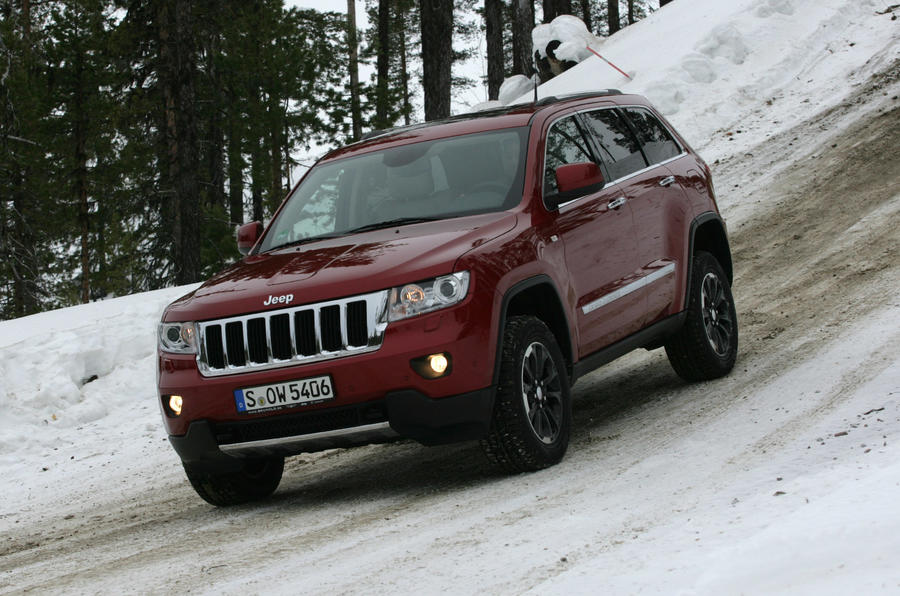 Jeep Grand Cherokee downhill