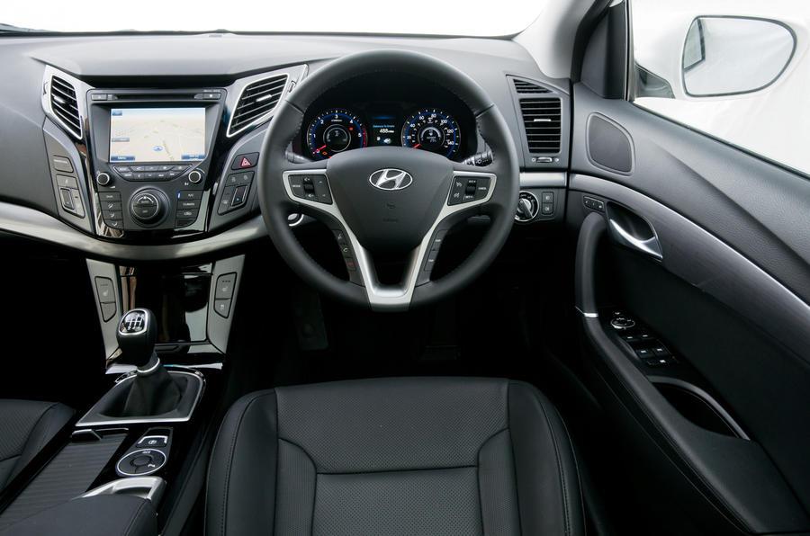 Hyundai i40 dashboard