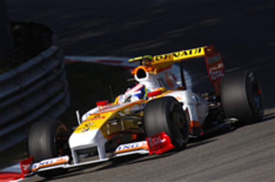 Briatore, Symonds leave Renault