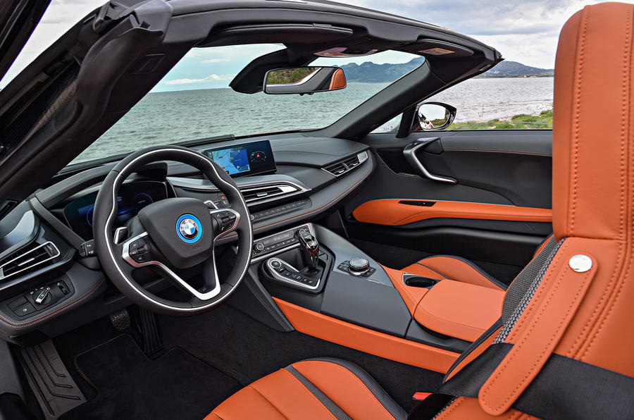 BMW i8 Roadster 2018 review cabin