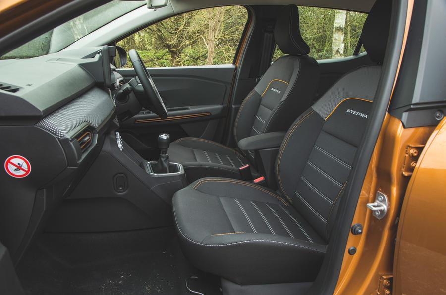 12 Dacia Sandero Stepway 2021 RT habitacle