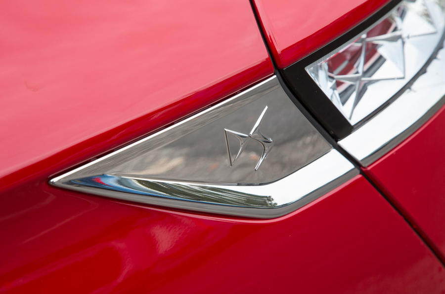 DS 7 Crossback 2018 road test review side decals
