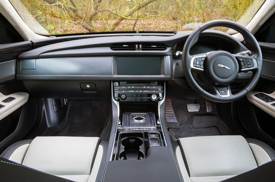 Jaguar XF Sportbrake 2019 road test review - dashboard