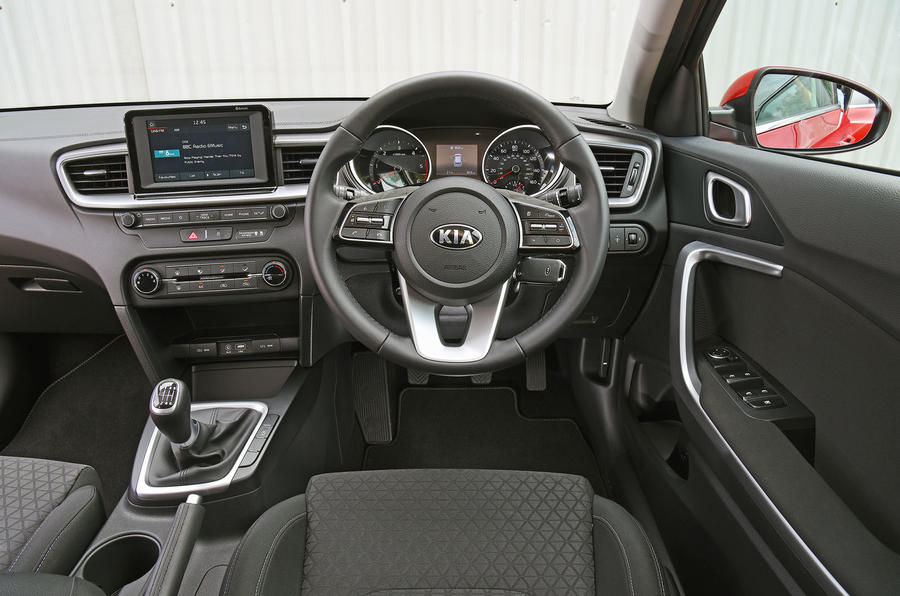 Kia Ceed 2018 road test review dashboard