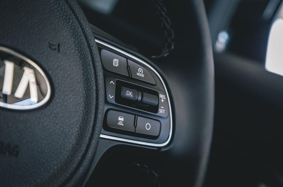 Kia e-Niro 2019 road test review - steering wheel buttons