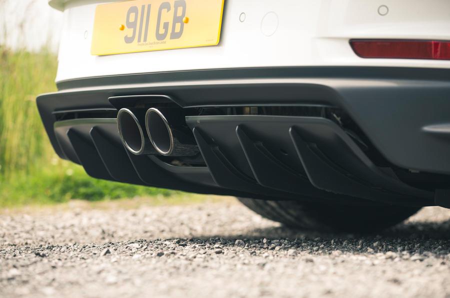 12 Porsche 911 GT3 2021 RT échappement