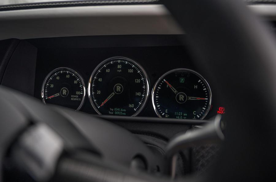 Révision de l'essai routier Rolls Royce Cullinan 2020 - instruments