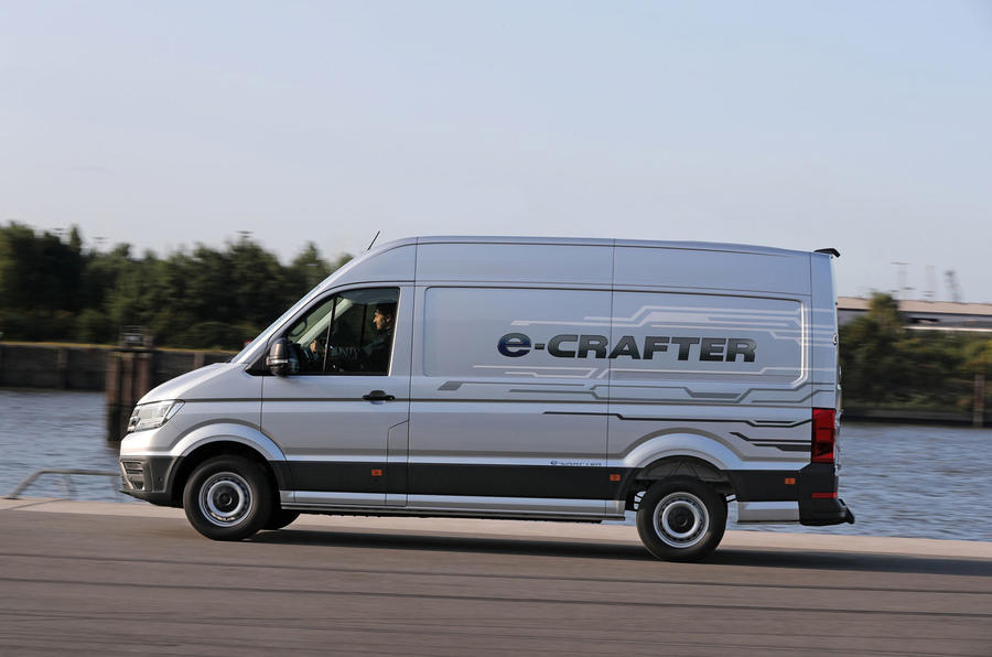 Volkswagen e-Crafter 2018 review - on the road left
