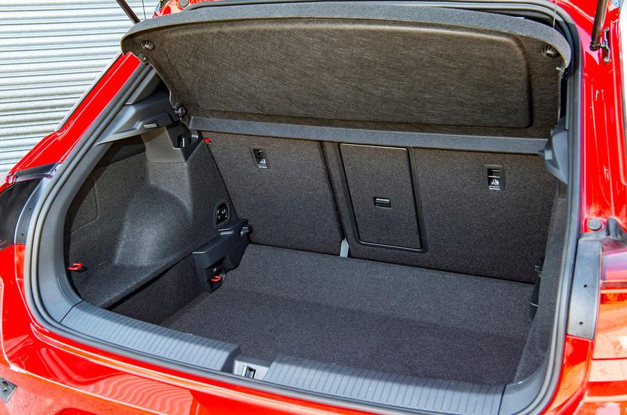 Volkswagen T-Roc 2019 road test review - boot