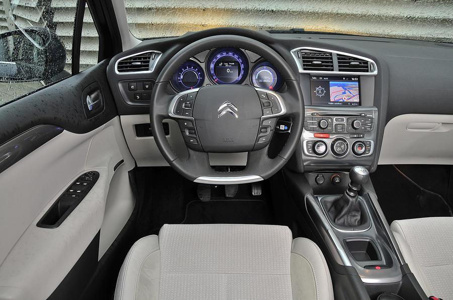 Citroën C4 dashboard
