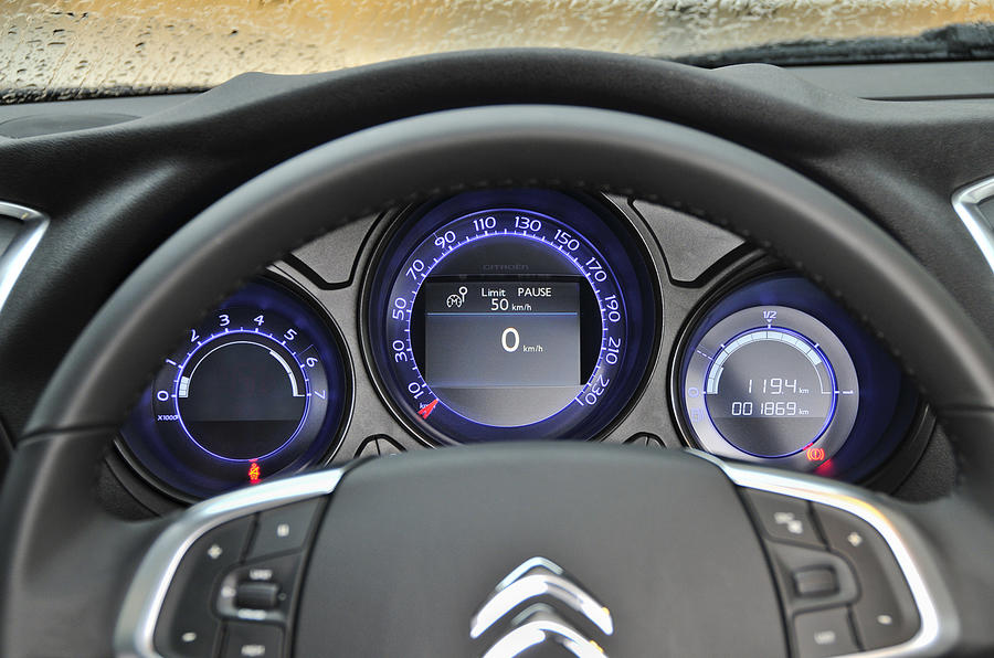 Citroën C4 instrument cluster