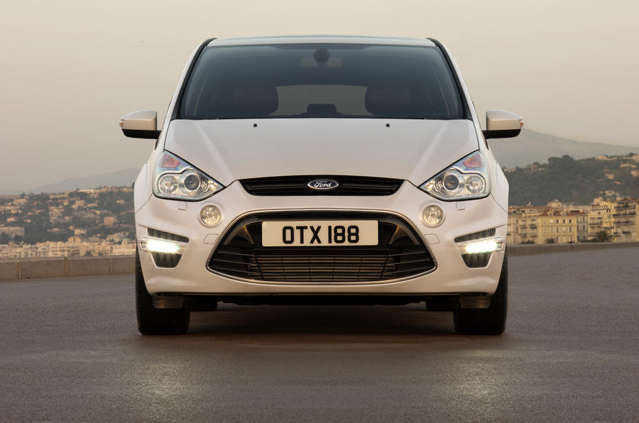 Ford S-Max front end