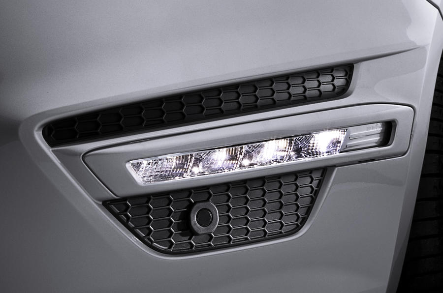 Ford S-Max day-running-lights