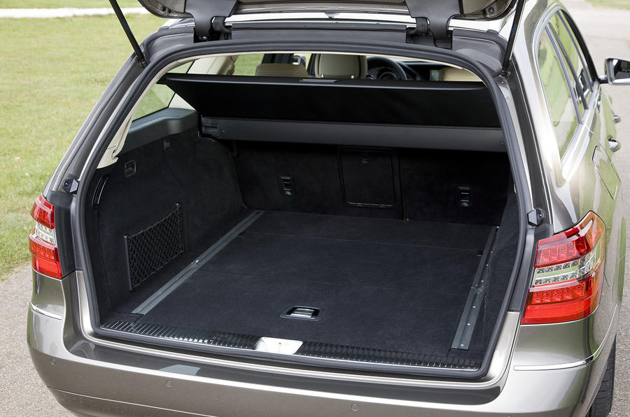 Mercedes-Benz E250 CDI Estate boot space