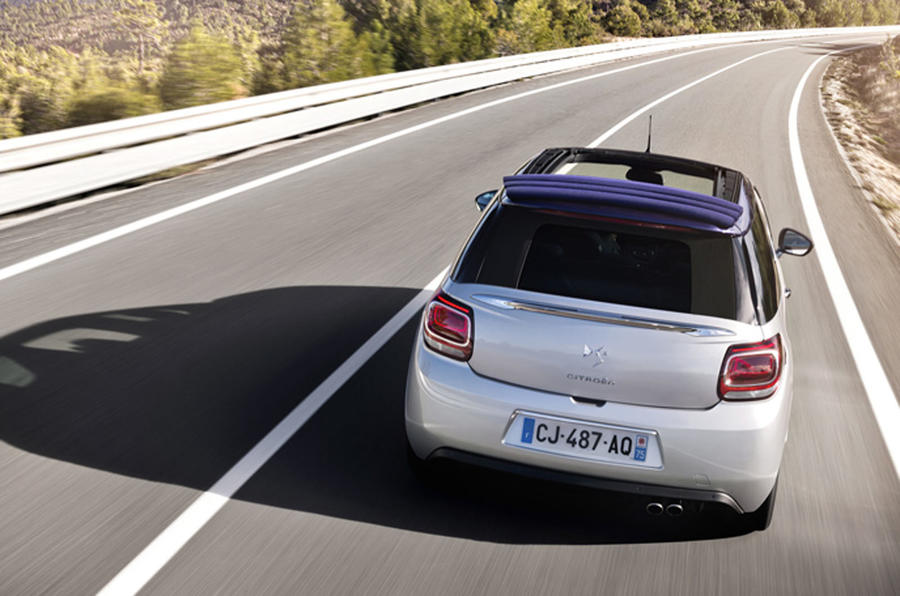 DS 3 Cabriolet roof open