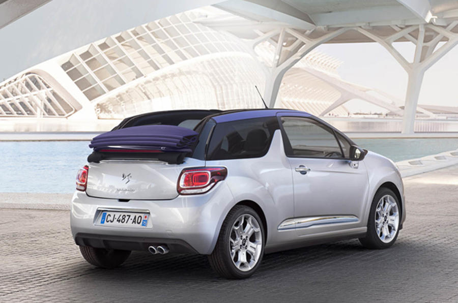 DS 3 Cabriolet roof fully open