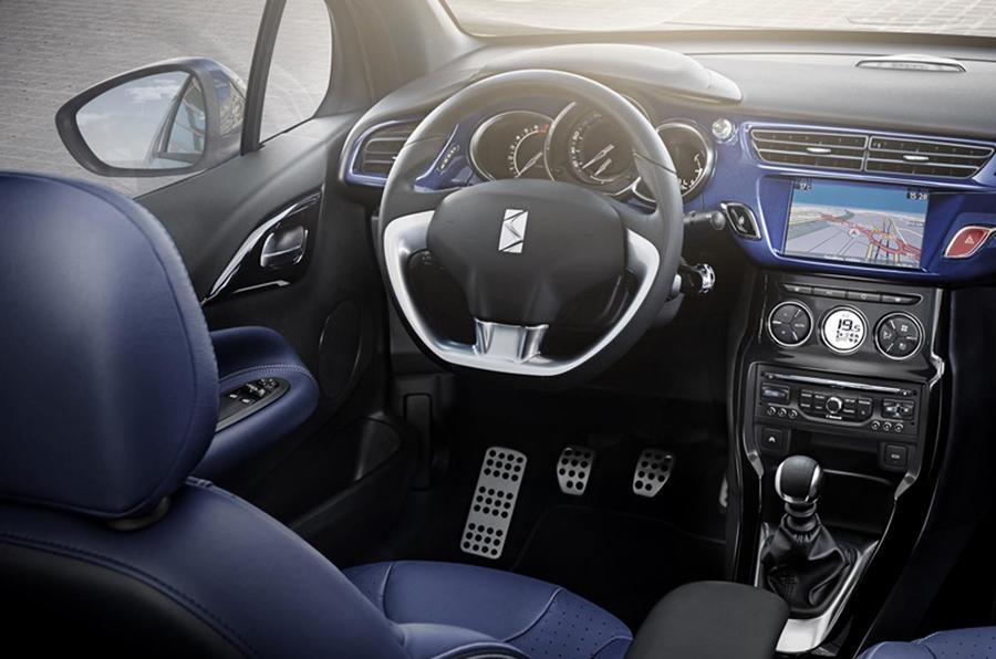 DS 3 Cabriolet DSport dashboard