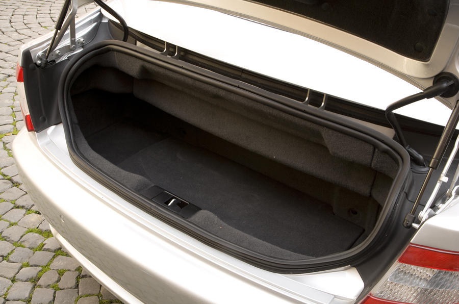Maserati GranCabrio boot space