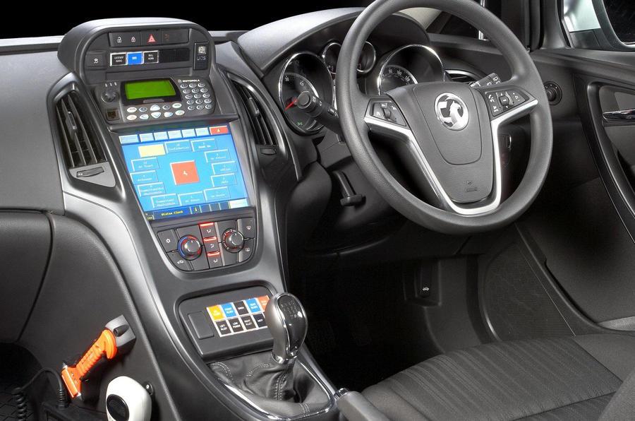 vauxhall reveals astra police car autocar. Black Bedroom Furniture Sets. Home Design Ideas