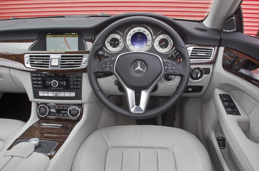 Mercedes-Benz CLS dashboard