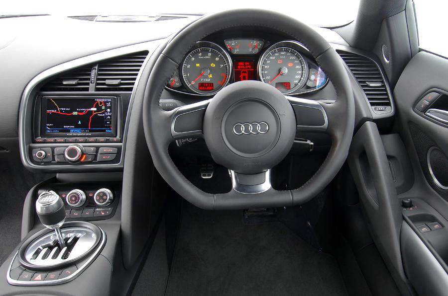 Audi R8 Spyder dashboard