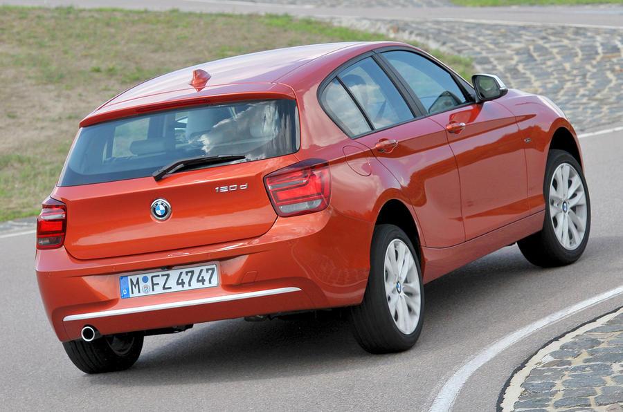 BMW 120d rear cornering