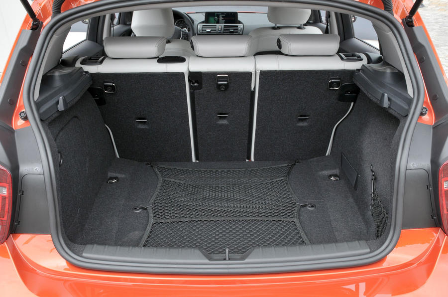 BMW 120d boot space